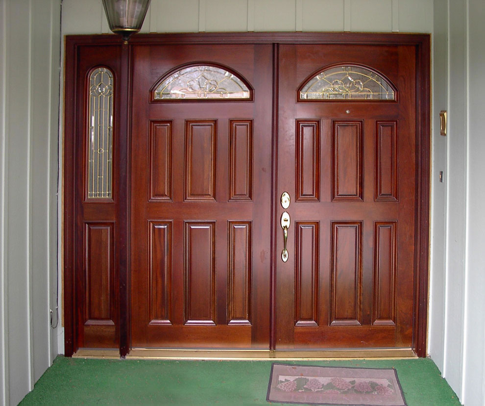 Double entry doors with sidelights door design pictures for Houses with double front doors